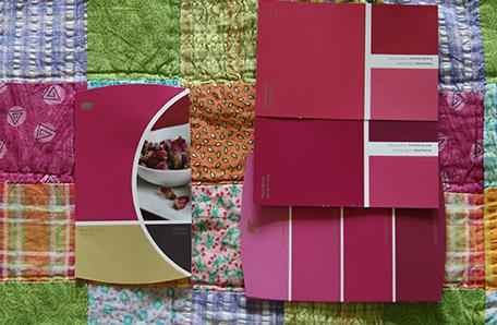 Choix des couleurs en fonction du couvre-lit dans la chambre