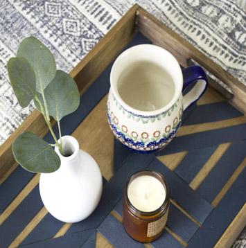 Tasse, plante et bougie